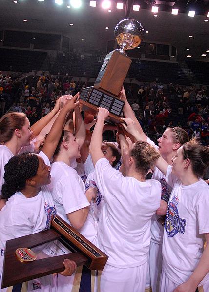 Women's Basketball: Glory