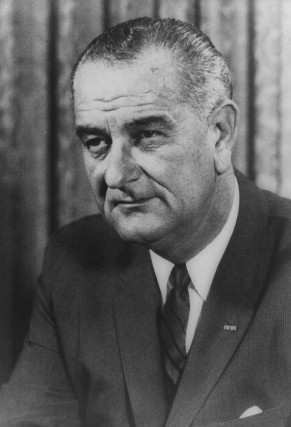 lyndon b johnson and literacy tests March, 2018 is national march into literacy month 2018 voting rights act (1965) on 6 august 1965 president lyndon b johnson signed the voting rights act into law.