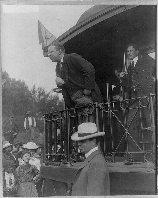 Roosevelt Speaking, 1907