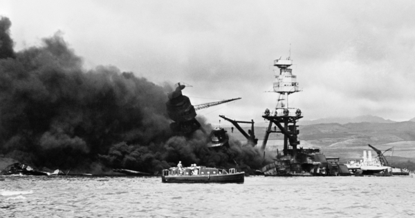 USS Arizona Sinks
